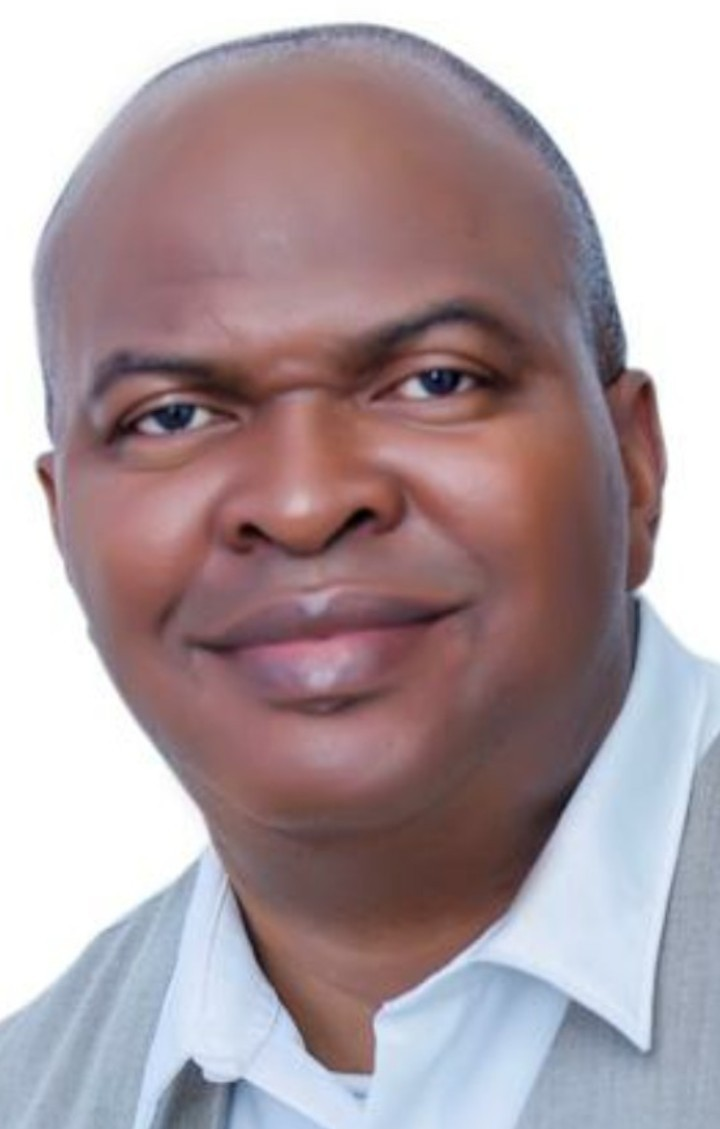 SUBSERVIENCE TO CORRUPT POLITICIANS... Bane Of Nigeria's Problems, Says David Adenekan